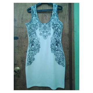 Body Fit White Sleeveless Dress