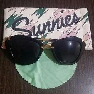 Sunnies Women's Shades