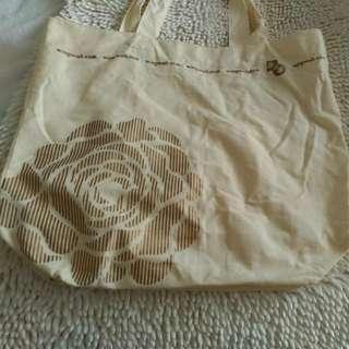 米色購物袋
