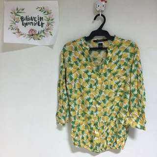 Kisses And co Pineapple Top
