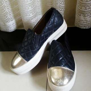 Heart's Sport Shoes