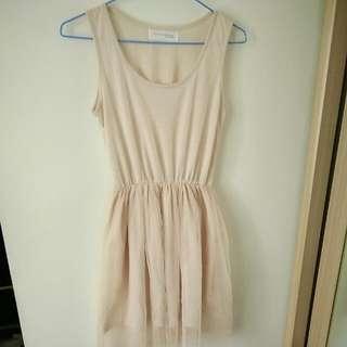 衣物包包買一送一🍭米黃縮腰連身紗裙