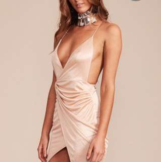 BIEGE BACKLESS DRESS SIZE SMALL