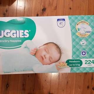 NEW Huggies Newborn Nappies - 224 Pack