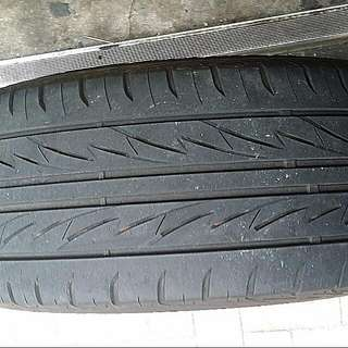 BRIDGESTONE TIRE  225/55R17
