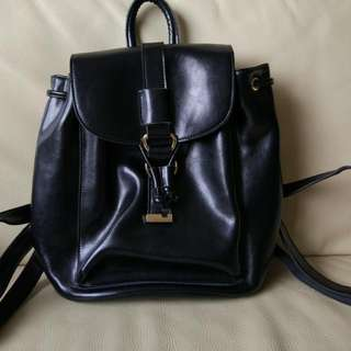 BEAUTIFUL MAKKO GENUINE LEATHER BLACK BACKPACK!