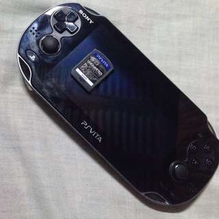 PSP Vita Phat 8gb w/ charger and game Uncharted GA