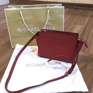 Michael Kors Selma Messenger Medium