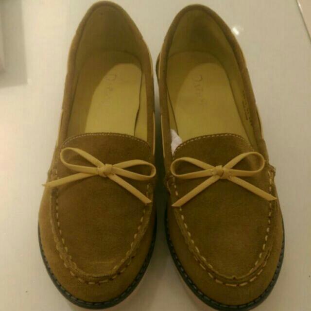 達芙妮麂皮樂福鞋