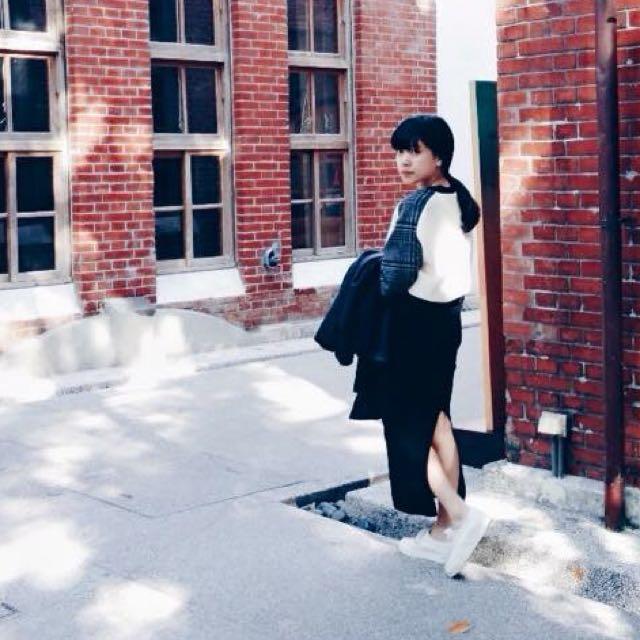 (保留)長版黑色開叉窄裙