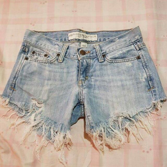 Abercrombie & Fitch Tattered Short