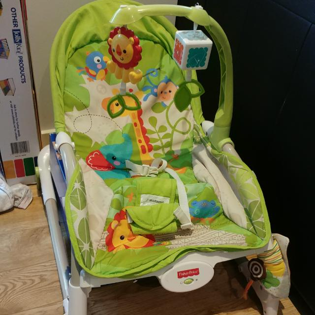 Baby seat with virbration function