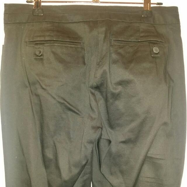 Black 7/8 Pant