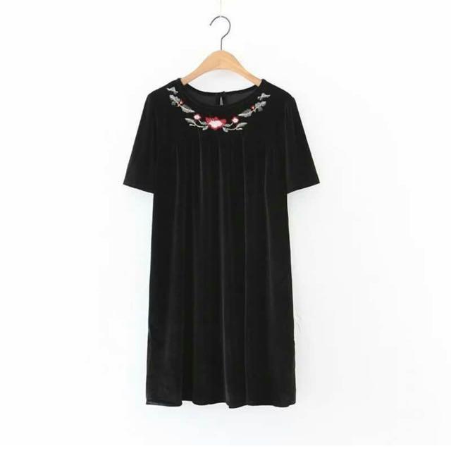 Black Neck Stlyist Mini Dress