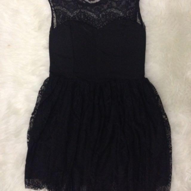 Brukat Black Dress