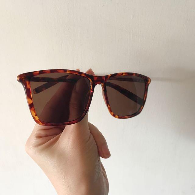 Cheap Monday 琥珀色太陽眼鏡 男女皆可