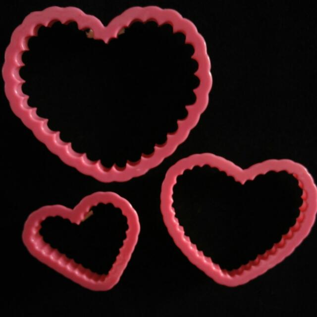 Cookie, Dough, Fondant Cutters from US (Heart Scallop design)