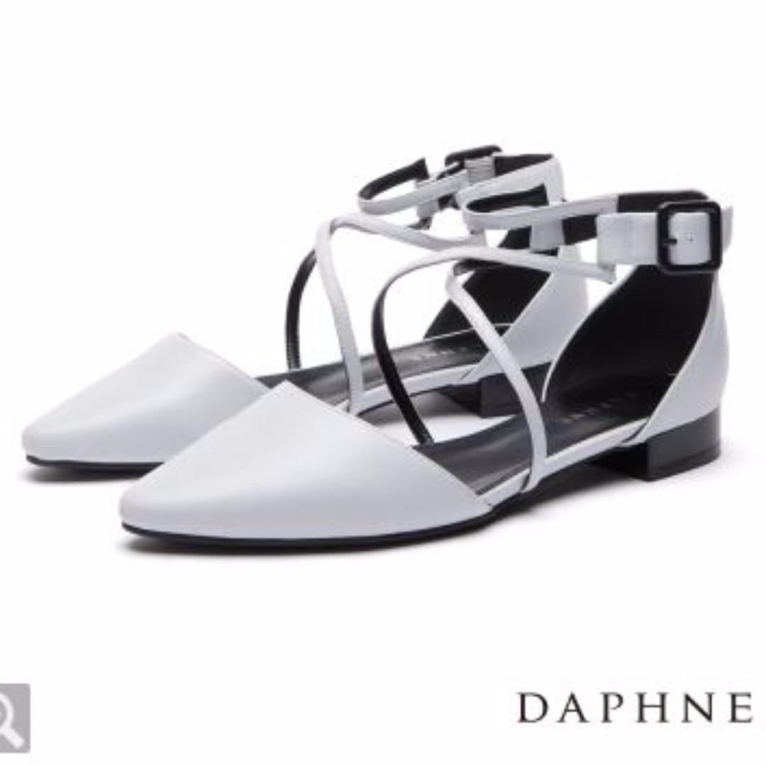 達芙妮DAPHNE 平底鞋-細帶交叉平底尖頭鞋-淺灰