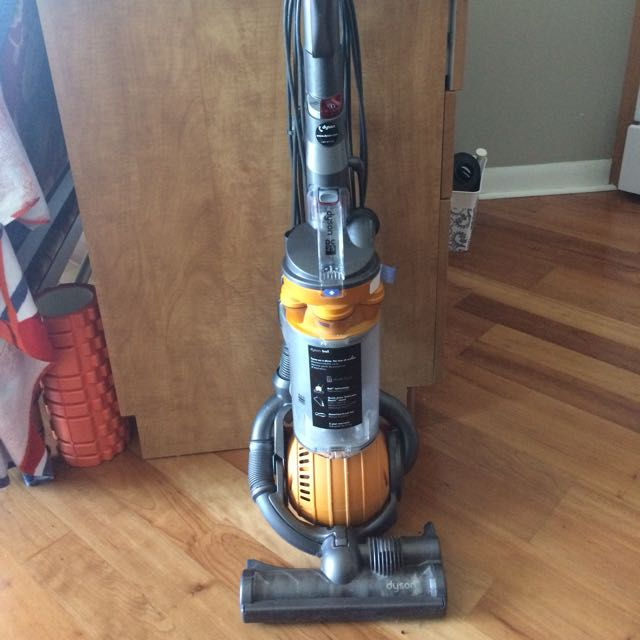 Dyson DC25 Ball Upright Vaccuum (all floors)