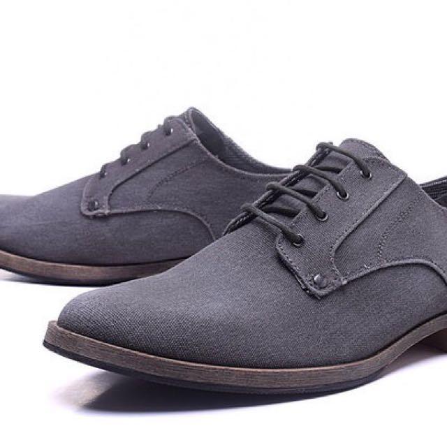 賠售!Hm灰色帆布休閒鞋/皮鞋43號