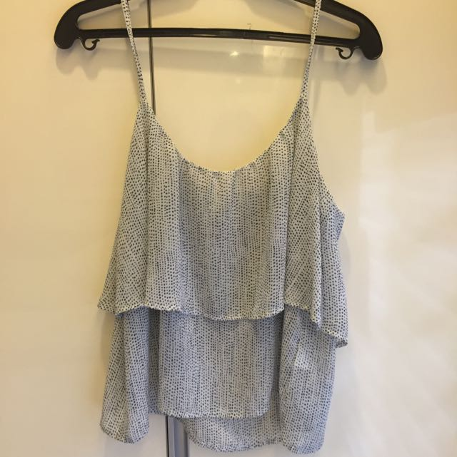 H&M Divided Sleeveles Top