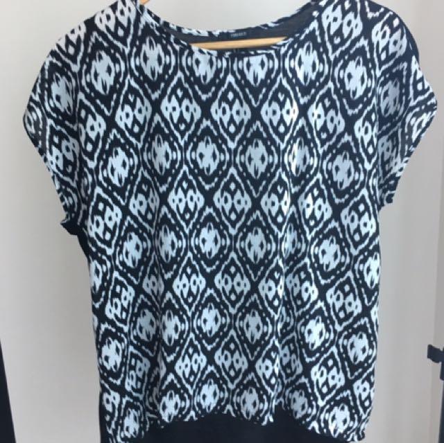 Lightweight Patterned Blouse/shirt