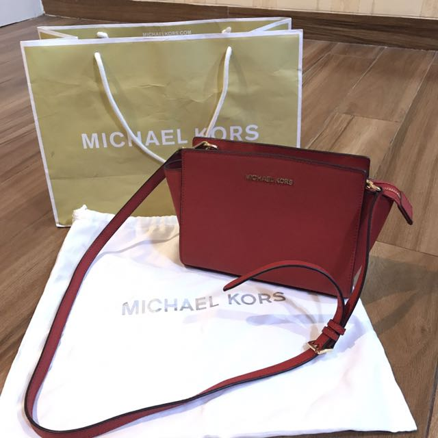 Michael Kors Selma Messenger Medium