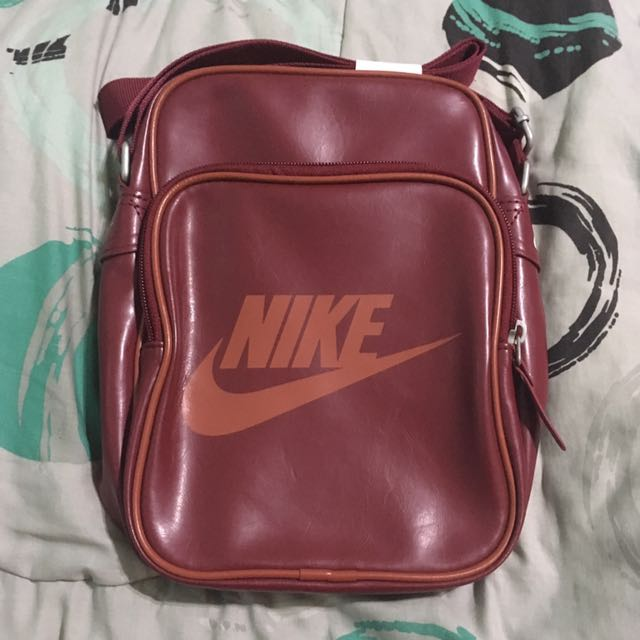 Nike Heritage Sling, Men s Fashion, Bags   Wallets on Carousell aab5078019