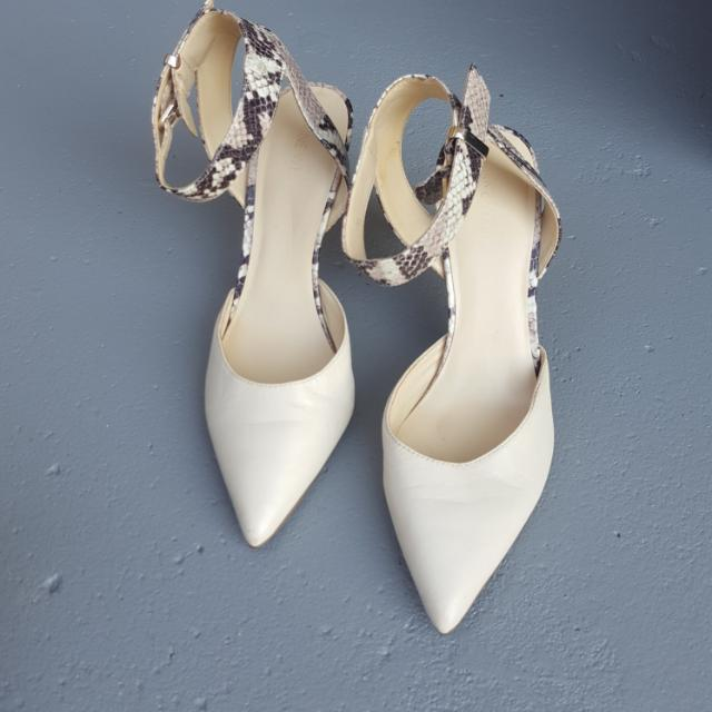 Nine West beige snake heels