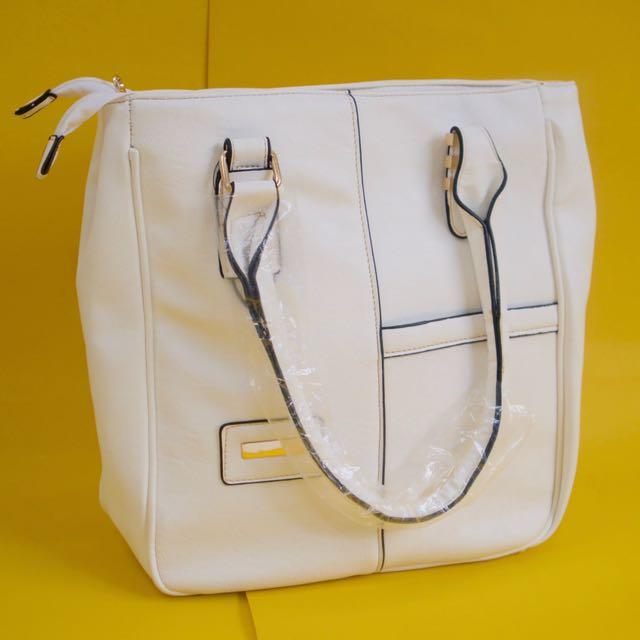 Stradivarius White Bag