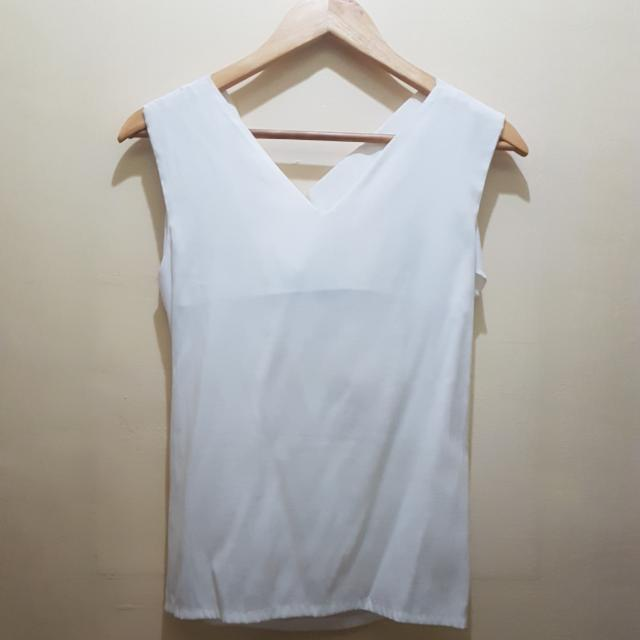The Ramp White Top