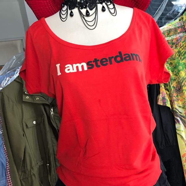 Tshirt Merah...