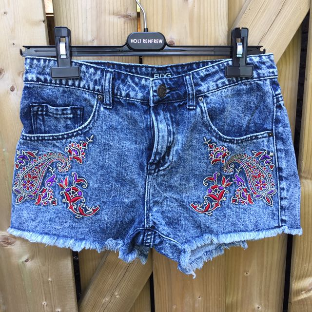 URBAN OUTFITTERS BDG Embellished Shorts Sz26