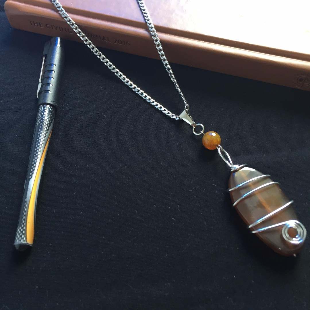 Wire wrapped Agate pendant necklace