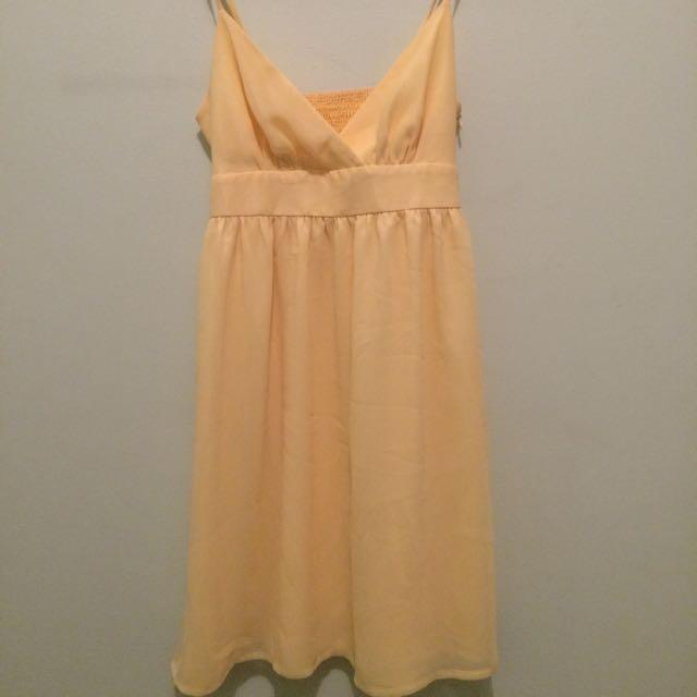 yellow dress portman
