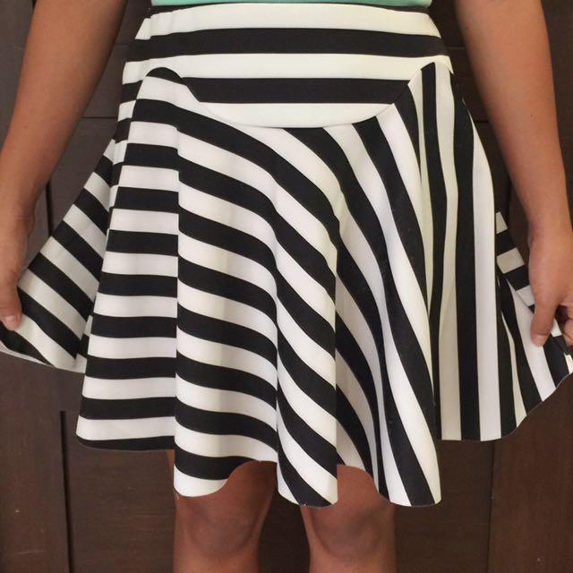 Zara B&W Stripes Skirt