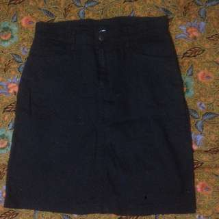 Rok hitam Semi jeans