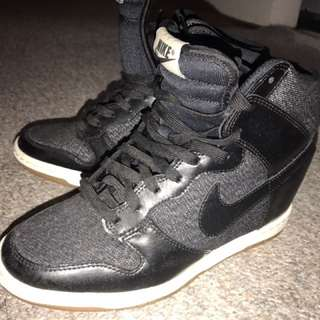 Womens Nikes originals Size 6
