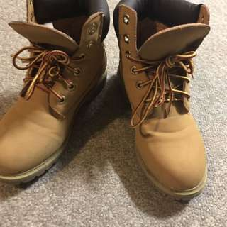 Betts Boots Timberlands Style Size 6.5
