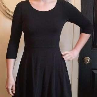 Black Dress, Divided
