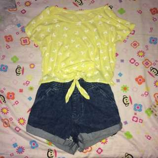 (paired outfit) denim shorts with tie-able crop top
