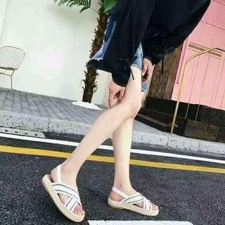 厚底草編涼鞋
