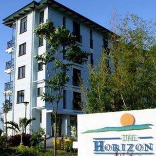 Penthouse unit for sale Horizon Condominiums Highlands Country Club