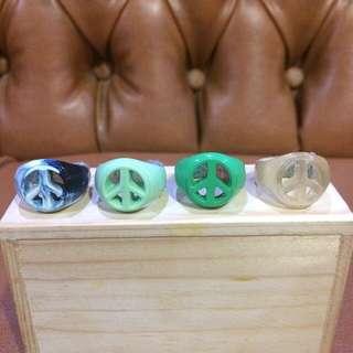 Greedysassy Peace Ring