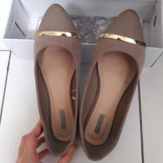 Flatshoes with Gold Platted by MarieClaire