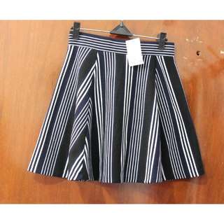 H&M Navy Stripe Skirt #onlinesale