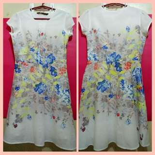 Samlin White Floral Dress (Medium)