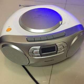 CD機  (可播放cassette、收聽FM電台)