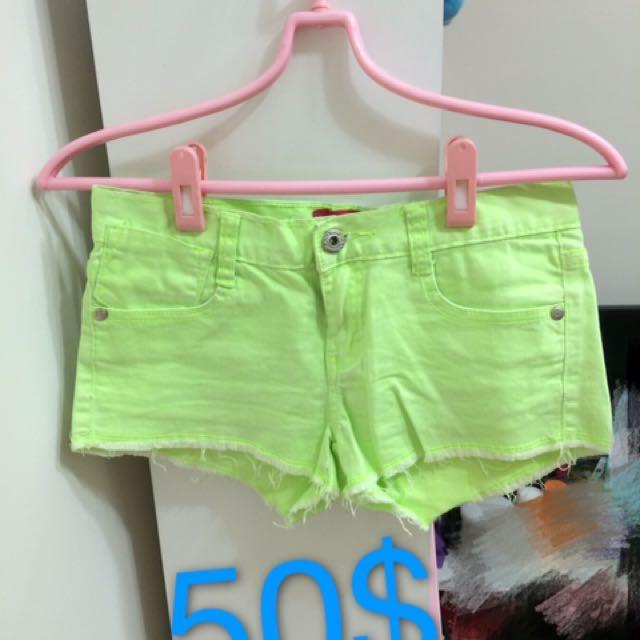 螢光綠熱褲
