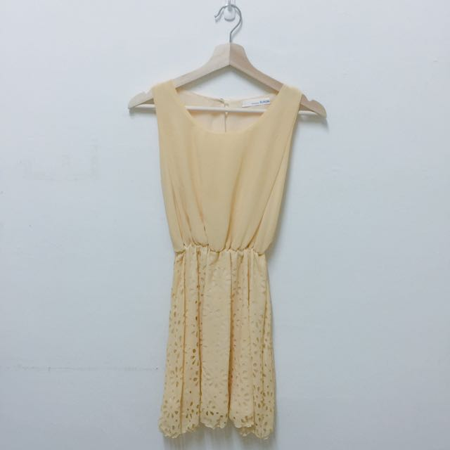鵝黃雪紡洋裝